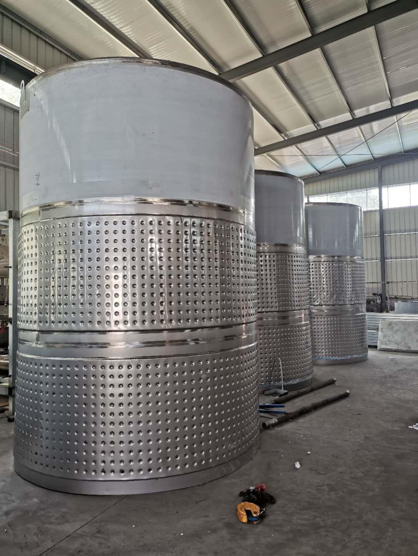 不锈钢储酒罐表面为什么要进行防腐处理